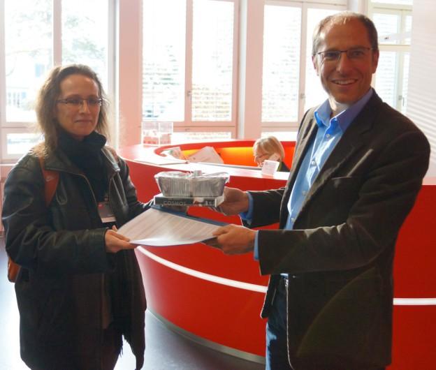 SRF-Petitionsübergabe (Quelle: kyriacou.ch)